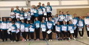 35 Heisinger Rhönrad-Turnerinnen und Turner präsentierten eine tolle Vereins-Mannschafts-Meisterschaft